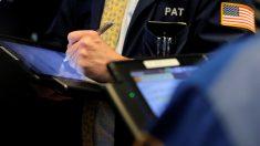 米株は概ね下落、特別検察官がトランプ家企業に書類要求との報道で