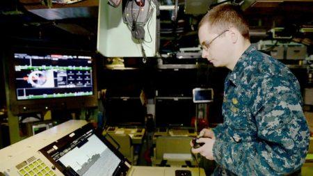 米原潜、ゲーム機利用でコスト減 就役の「コロラド」