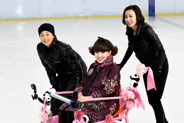 浅田真央&舞、8年ぶり姉妹で「徹子の部屋」出演!不仲時代や最大のケンカ激白