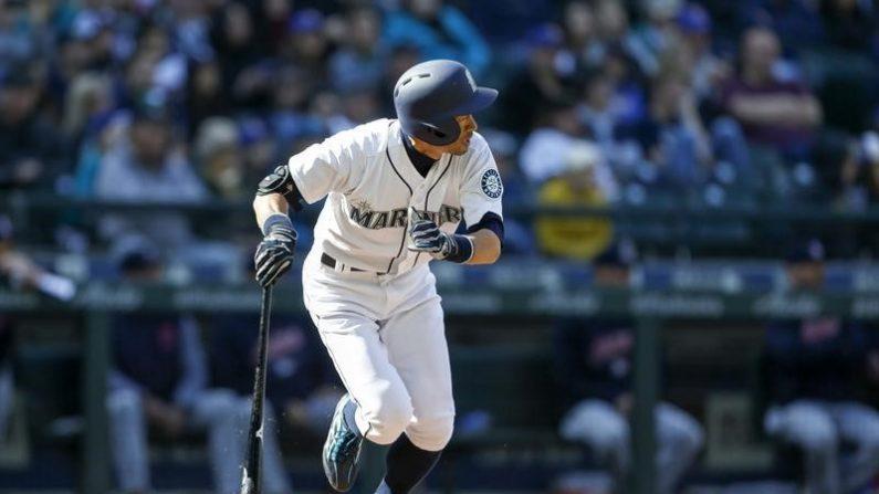 MLB=イチロー2安打、守備でもホームランキャッチ