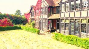 ピンクフロイドのギターリスト、デイビッド・ギルモアがかつて住んでいた豪邸が豪華すぎる!