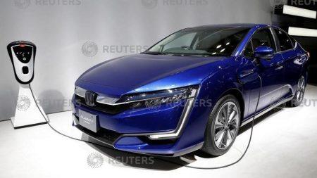 ホンダが「クラリティPHEV」日本であす発売、電動車訴求へ