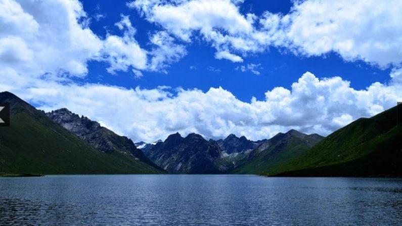 チベット観光名所「神の山」 現在もなお強制閉鎖中