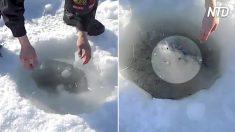 【氷面釣り】凍結したベーリング海に穴を開けて釣り 大物ゲットだぜ!