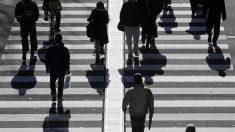 7月完全失業率は2.5%に上昇、有効求人倍率は44年半ぶり高水準
