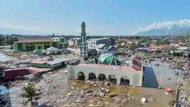インドネシア地震、死者832人 数千人に達する恐れも