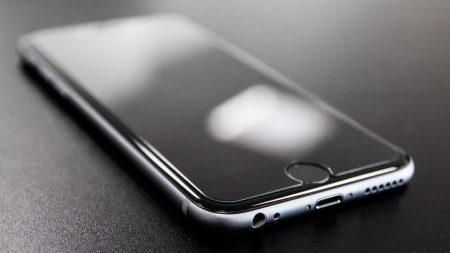 まるで鏡のようにピカピカ!iPhoneを磨いた結果・・・