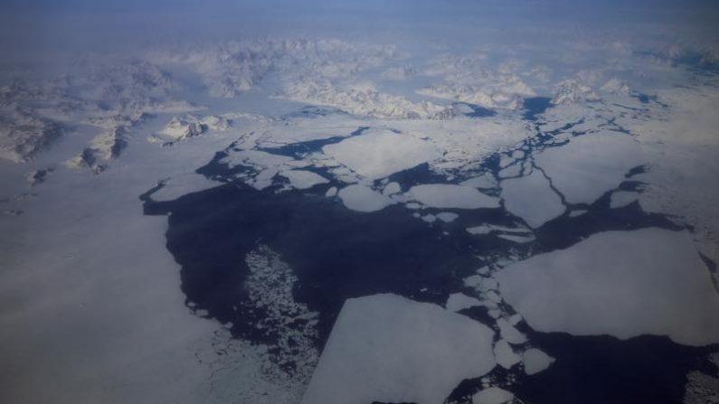 氷床融解進むグリーンランド、砂輸出で経済活性化も=研究論文