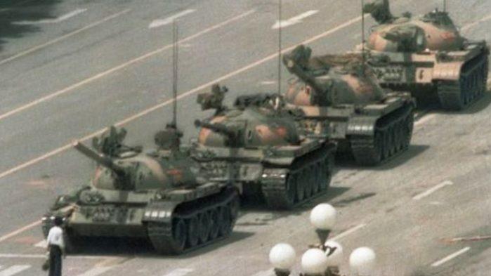 現代を象徴する5枚の写真 「無名の反逆者」はいかにして永遠の存在になったか?